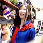 【盗撮動画】セレクトショップのバイト店員さんと会話しながらフレッシュパンチラ逆さ撮り♪
