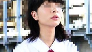 【盗撮】夏のとある日に駅で見掛けた賢そうな夏服JKが目を覆いたくなるような痴漢被害に♪