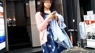 【盗撮動画】スカメク撮りでプリケツパンチラ拝んでる素人中の素人女子が大好物な凄腕撮り師♪