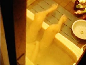 【盗撮動画】シングル女子の浴槽オナニーからカップル浴槽セックスまでお風呂の使い方色々♪
