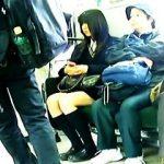 【盗撮動画】変質者に背後から接近されて制服にカルピスぶっ掛けられてる女子校生たち♪