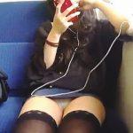 【盗撮動画】ローカル電車のボックスシートで相席になった行儀の悪い田舎ギャルのパンチラ♪