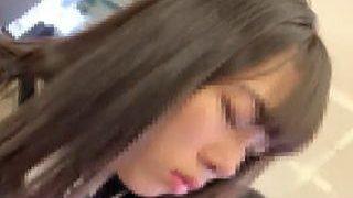 """【盗撮動画】電車でスカメク痴漢の被害に遭ってるお尻の""""おデキ""""が生々しい女子校生♪"""
