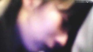 【盗撮動画】満員の通勤通学電車に乗り込んだ一般的な女子校生が痴漢にクリ弄りされてますた♪