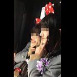 【盗撮動画】ネズミランドで丁寧に道案内してあげたのにパンチラ撮られたミニスカ女子校生♪