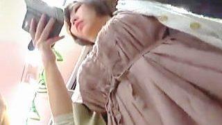 【盗撮動画】巨乳上玉ターゲット発見!呆れるほどドスケベなお嬢さんのパンチラで抜きまくり♪