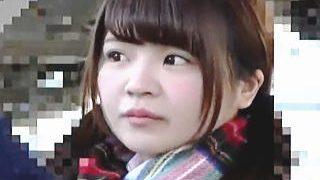 【盗撮動画】パンチラターゲット発見!が、痴漢の生チンポでイキ狂う淫乱女子校生だった件♪