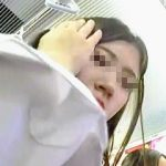 【盗撮動画】ミニスカ太ももで電車内の風紀を乱してる女子校生はパンチラも素顔も晒しちゃえ♪