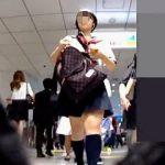【盗撮動画】夏のセーラー服ならではのブラチラも楽しめる健康的なショートカットの女子校生♪