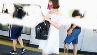 【盗撮動画】透けパン穿いてマン毛も見せつける白ワンピお嬢さんの破廉恥パンチラ♪