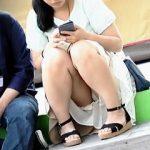 【盗撮動画】公園で座りM字パンチラ開放して抜きネタを提供してくれてる女の子たち♪