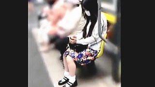 【盗撮動画】ハッキリ言ってコレ見ないと損です!大人しそうな女の子が胸アツのTバック♪