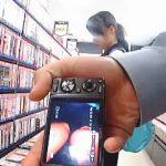 【盗撮動画】本屋で立ち読みに熱中してる女子校生はパンチラ撮られてもほぼ気付かない件♪