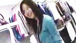 【盗撮動画】S級店員さんが胸チラどころか乳首見せて煽って来たので美味しくいただきますた♪