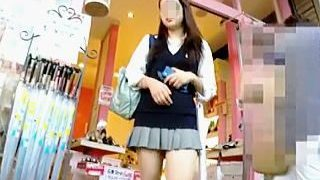 【盗撮動画】観ればわかる!本気で視姦されたいと思ってる女子校生のパンチラはエロさが違う♪