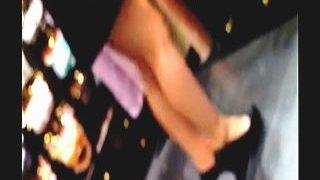 【盗撮動画】セクシーな店員さんばかりがいて話題の婦人服フロアでパンチラ梯子撮り♪