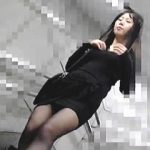 【盗撮動画】痴漢されて発情したボインのお嬢さんが駅のトイレでお礼のフェラチオ口内射精♪