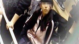 【盗撮動画】最狂レベルのアカンヤツ!試合会場の女子トイレで隠し撮りされたバド少女♪