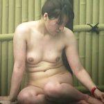【盗撮動画】お食事風景から入浴風景までじっくり撮られたムチムチ系の露天風呂女子たち♪