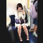 【盗撮動画】一日に何度もパンチラ撮られてそうなユルい女の子のパンチラを逆さ撮り♪