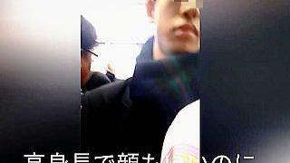 【盗撮動画】「おまわりさんコイツです!」とは言えない痴漢魔の顔を捉えた盗撮犯のジレンマ♪