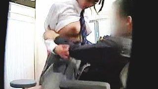 【盗撮動画】学級委員の無垢な教え子JKと保健室で毎日セックスしてるポンコツ高校教師♪