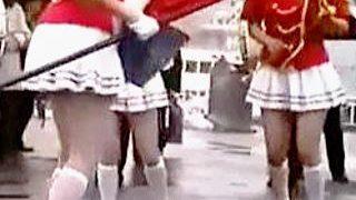 【盗撮動画】確認求む!どう見ても生Pっぽいパンツ穿いた青春の女子校生マーチングバンド♪