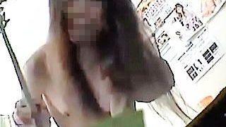 【盗撮動画】「ヤダヤダ!抜いてぇ!」懇願虚しく待機部屋でマネージャーに犯された風俗嬢♪