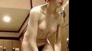 【盗撮動画】超貴重!張り・くびれ・ルックスと三拍子揃ったヨーロピアンガールの銭湯脱衣所♪