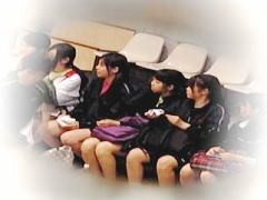 【無修正】JK運動部の大会が開催されている体育館女子トイレのガチ盗撮映像♪