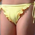【盗撮】海水浴場の男どもを瞬時に欲情させる今夏のエロ水着ギャルたち♪