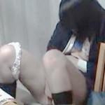 【盗撮動画】リビングでアイドル雑誌見ながら妄想オナニーに浸る熱烈制服女子校生♪