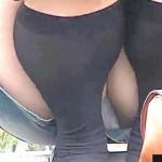 【盗撮】ミニスカ娘たちが外でしゃがむと漏れなくパンチラが見れるという定説を検証♪