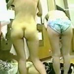 【盗撮動画】若い娘から熟女まで幅広いレンジで全裸女体が楽しめる健康ランドの女湯脱衣所♪