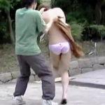 【盗撮】見せブラ晒した脱がしやすそうな服装のお姉さんがやっぱり脱がされとったわ♪