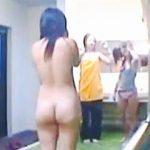【盗撮動画】合宿所の女子風呂脱衣所で全裸ではしゃぐ姿を激撮された女子大生たち♪