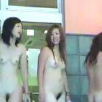 【盗撮】男たちの股間を一瞬にしてビンビンにさせるスーパー銭湯の美全裸女子たち♪
