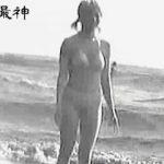 【盗撮動画】海水浴シーズンだけは水着ギャルの隠し撮りのためビーチに出向くニートなオレ♪