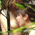 【盗撮】女友達と温泉宿の家族風呂に一緒に入浴してプチレズプレイしてる女子カップル♪