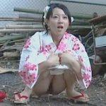 【盗撮】夏祭りを楽しんでる浴衣娘が野ションする瞬間を狙って襲撃する強姦魔たちの鬼畜の手口♪