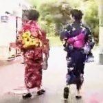 【盗撮動画】真夏の縁日で賑わう下町では浴衣女子たちの強制パンツ晒しが密かな名物になってる件♪
