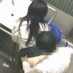 【盗撮】障害者専用トイレでセックスしてる超不謹慎な学生カップルがいたので学校に通報しますた♪