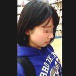 【盗撮】静寂の書店でマンガ本を立ち読みしてるJCらしき美少女の萌えパンチラを逆さ撮り♪