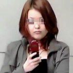 【盗撮動画】イマドキ小学生でも躊躇するニセ虫イタズラのターゲットにされた街角無警戒女子♪