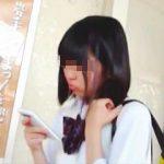 【盗撮】純白パンティ穿いてる女子校生だけを狙い定めてスカメク撮りしてる目利きの鋭い凄腕撮り師♪
