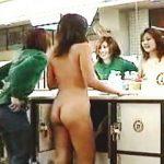 【盗撮動画】ギャル二人組が銭湯に来ると大抵一人は脱ぎっぷりが良くてもう一人の全裸待ちになる件♪