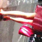 【盗撮動画】夜中に一人歩きしてるお仕事帰りの風俗嬢に声を掛けて仕事道具の下半身をスカメク撮り♪