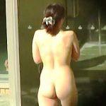 【盗撮】裸体をクッキリ映し出す強い日差しを浴びながら真昼の露天風呂を楽しむ女子を隠し撮り♪