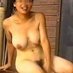 【盗撮】有名温泉地の女湯には女撮り師も潜伏してて女子たちが恥ずかしい裸体を撮られてる件♪