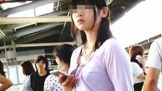 【盗撮】鈍感女子を品定めしてからエスカレーターでスカメク撮りしてる鋭い目利きの撮り師♪